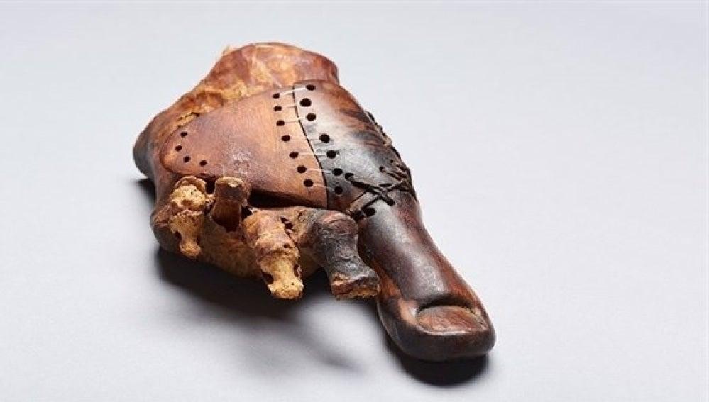 Dedo protésico encontrado en Egipto