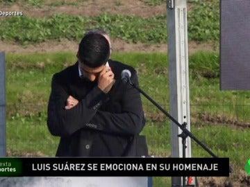 Luis Suárez, emocionado en su homenaje