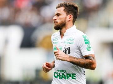 Lucas Lima, durante un partido con el Santos