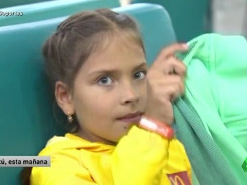 El emotivo y humano gesto de Cristiano Ronaldo con una niña en silla de ruedas