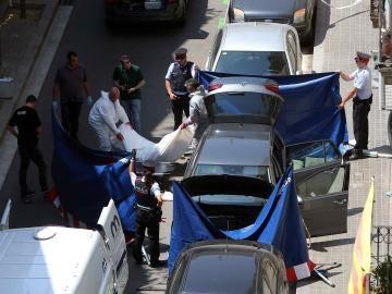 Encuentran un cadáver  en el maletero de un coche aparcado en Barcelona