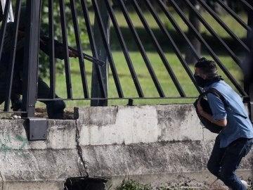 El joven David José recibe un disparo de un miembro de la Guardia Nacional Bolivariana