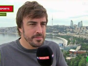 La reacción de Fernando Alonso cuando le dicen que Hamilton podría retirarse