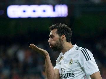 Arbeloa celebra un gol durante su época como jugador del Real Madrid