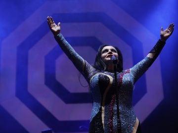 La cantante Alaska y su grupo, Fangoria, en la madrileña Puerta del Sol