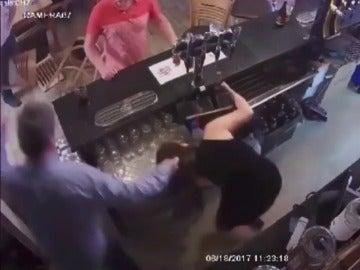 Ataca brutalmente a su mujer y publica en Facebook el vídeo para presumir de la agresión