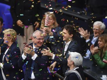 Diputados de Los Verdes celebran la legalización del matrimonio homosexual