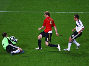 El gol de Fernando Torres a Alemania en el Ernst Happel