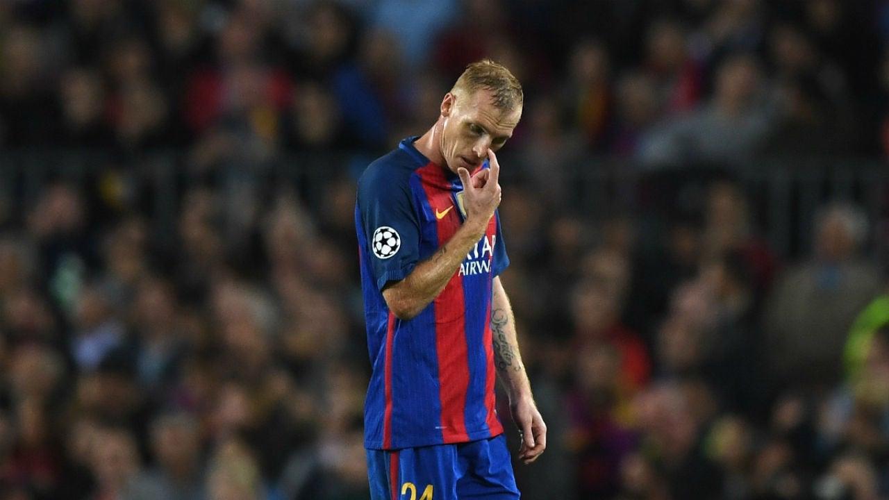 Mathieu, en un partido con el Barça