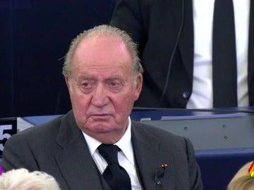 El rey Juan Carlos reaparece en el homenaje a Kohl tras su ausencia en el aniversario de las elecciones