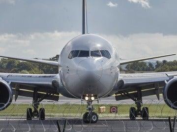 Es más posible ganar la Lotería Nacional que obtener los asientos centrales asignados al azar en un vuelo de Ryanair