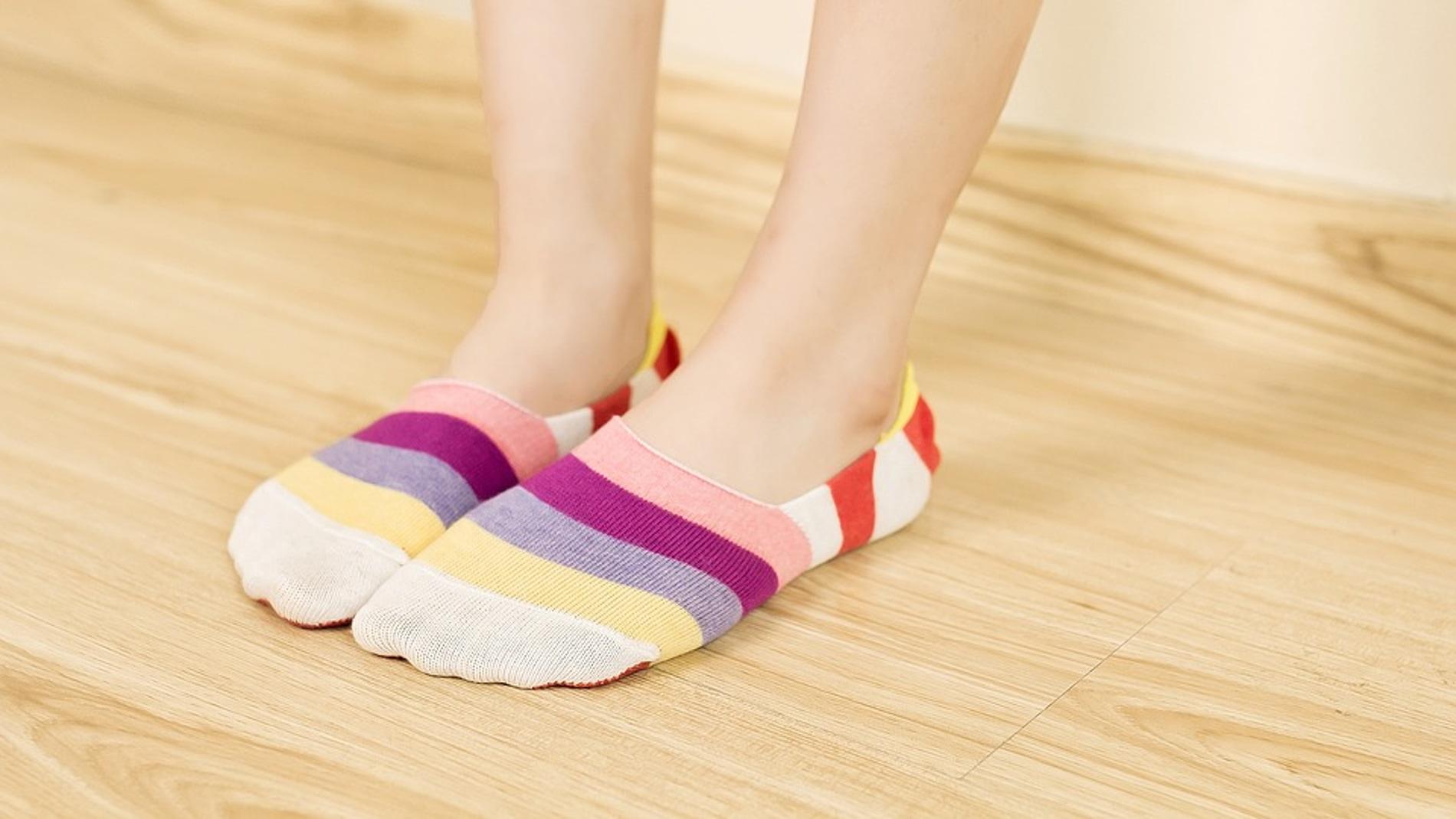 Dormir con calcetines húmedos es beneficioso para la salud