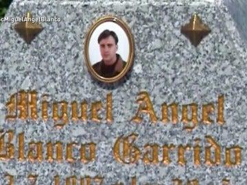 Lápida de Miguel Ángel Blanco en A Merca, Ourense