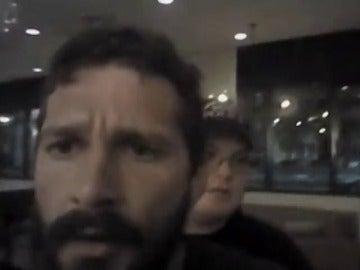 Difunden el vídeo de la detención del actor Shia LaBeouf, en estado de embriaguez e insultando a los policías