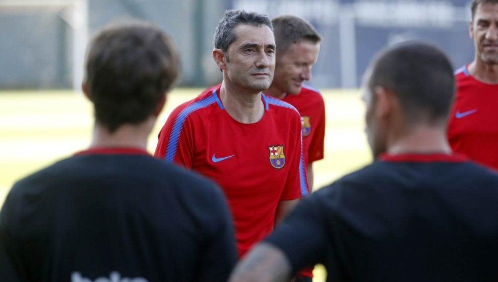 Valverde, durante un entrenamiento del Barcelona