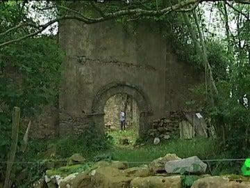 La Iglesia románica de Santa Leocadia rescatada entre la maleza