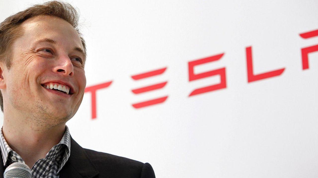 Elon Musk: El viaje del creador de Tesla, un emprendedor incansable
