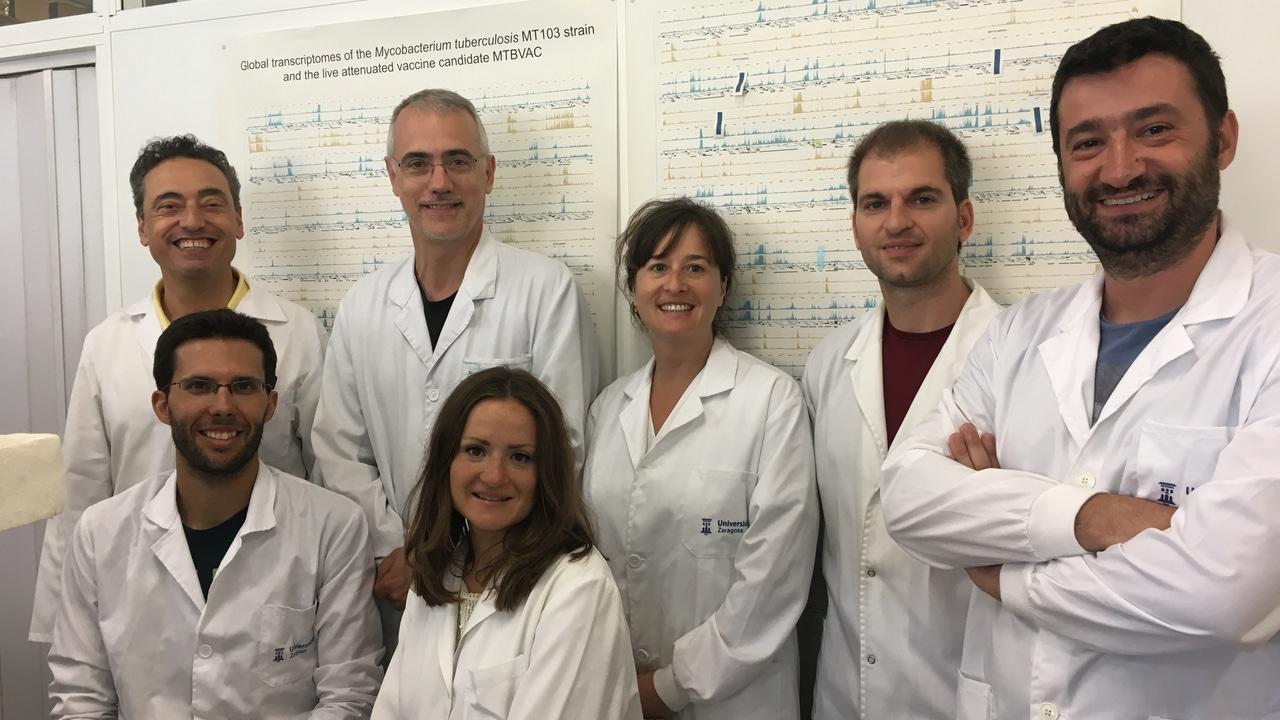 Equipo de investigadores que está desarrollando la vacuna