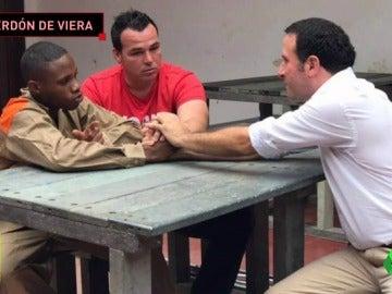 El exarquero Viera perdona al hombre que le disparó en un atraco en Colombia