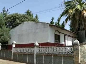 Casa en cuya piscina han encontrado a una mujer muerta