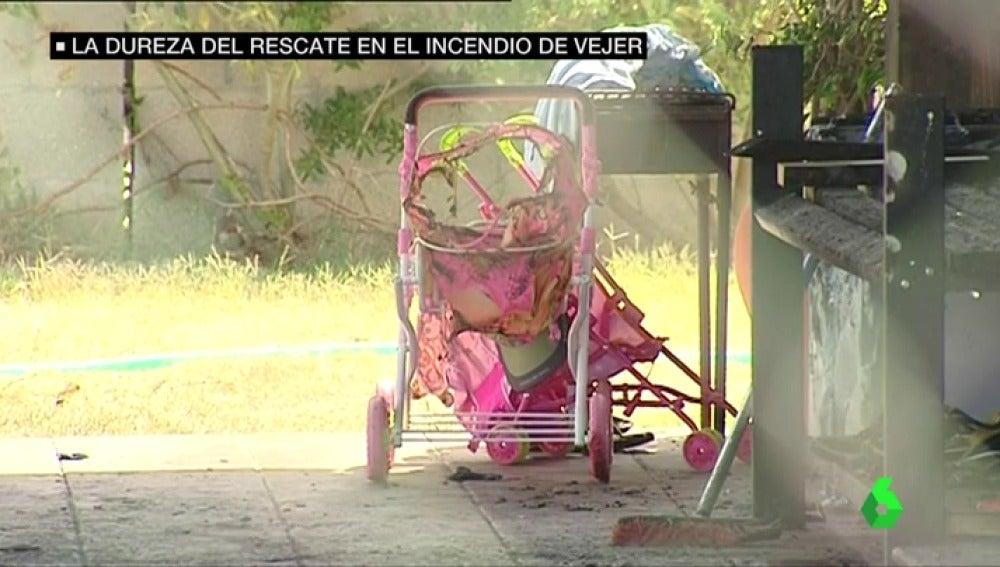 El Ayuntamiento de Vejer condecora a los guardias civiles que rescataron a un niño de 9 años en un incendio