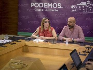 Afiliados de Podemos apoyan el pacto de Gobierno en Castilla-La Mancha