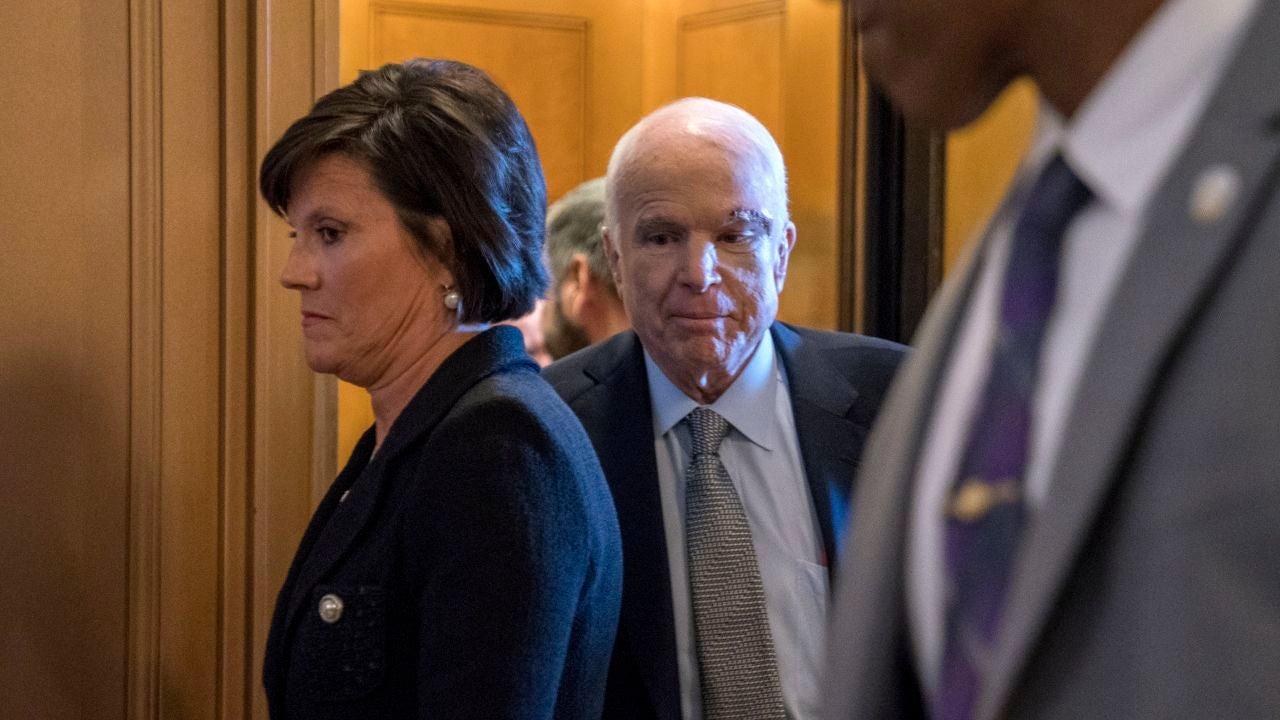 El senador republicano de Estados Unidos por Arizona, John McCain