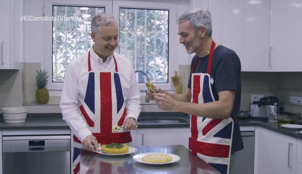 Mikel López Iturriaga enseña al embajador británico cómo hacer tortilla