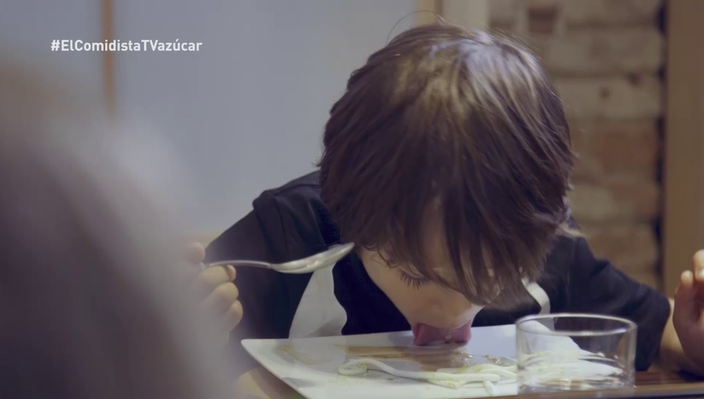 Los niños prueban los postres en El Comidista TV
