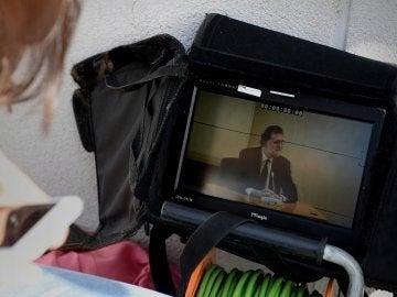 Imagen en pantalla de la declaración de Rajoy por Gürtel