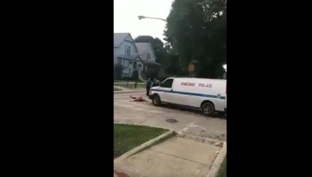 Aparece un hombre con el pene cortado y sangrando en las calles de Chicago