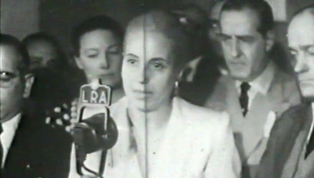 Flores, canciones y el recuerdo vivo de Evita 65 años después: el homenaje de Argentina a 'la abanderada de los humildes'