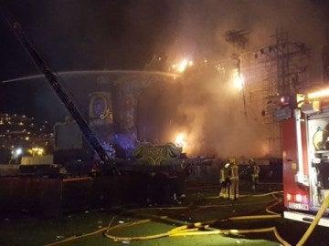 El escenario de Tomorrowland Barcelona ardiendo