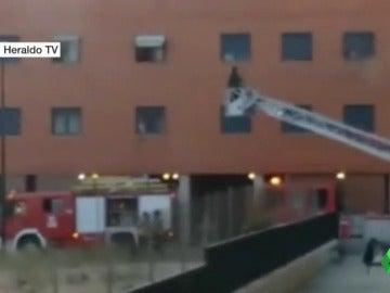 Muere un niño de nueve años en un incendio en su casa de Zaragoza