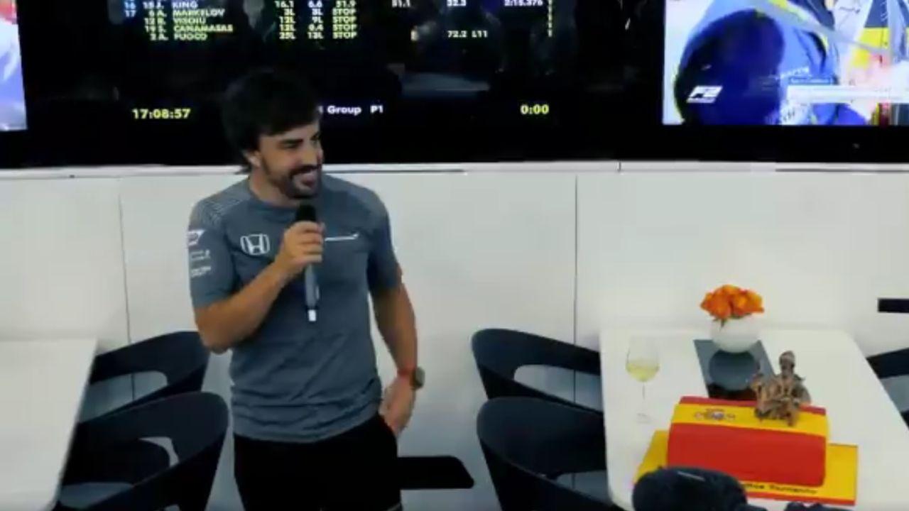 Fernando Alonso celebra su cumpleaños con McLaren
