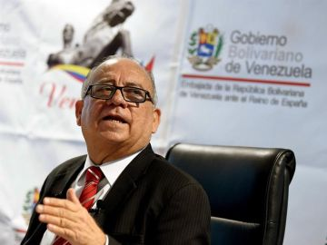 El embajador de Venezuela en España, Mario Isea