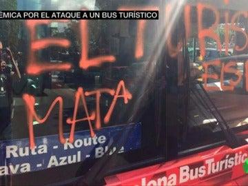 Denuncias contra el ataque a un bus turístico en Barcelona