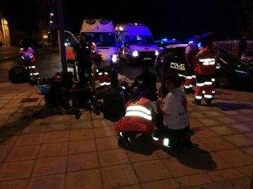 Cruz Roja atiende a migrantes tras saltar la valla fronteriza en Ceuta