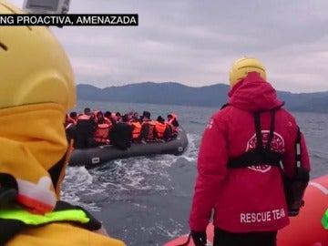 Proactiva, rescatando a un barco de refugiados