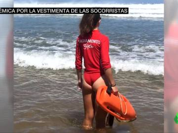 Piden a las socorristas llevar pantalón y no bañador por los comentarios sexistas en redes
