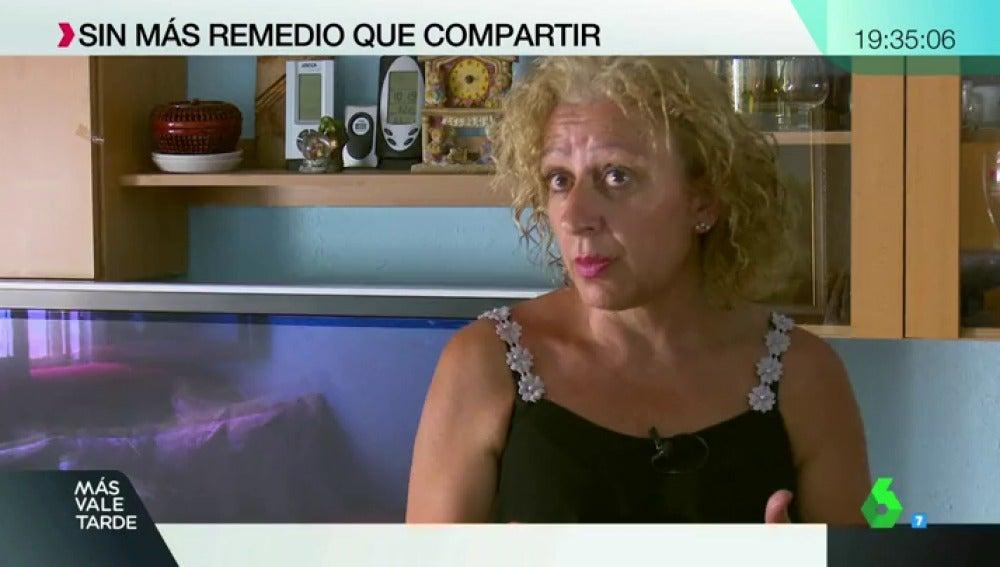 Esperanza tiene 52 años y tiene que compartir piso en Madrid con una familia por la subida del precio de alquiler