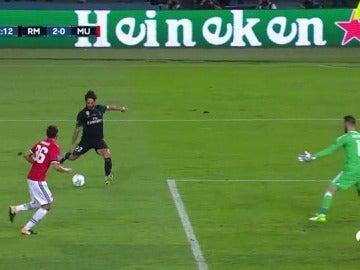 Isco culminó una gran pared con Bale para poner el 2-0 ante el Manchester United