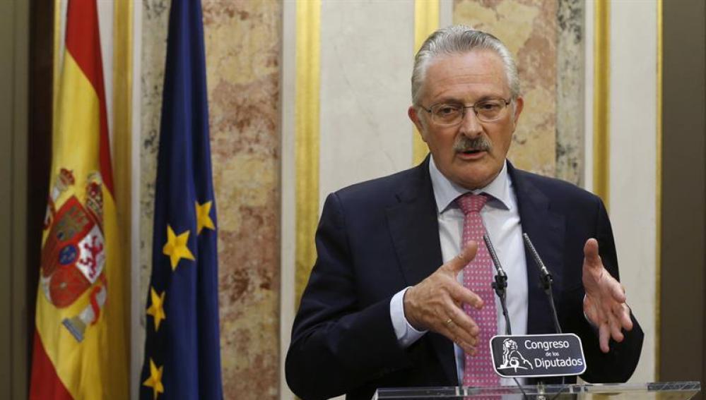 Antonio Trevín en el Congreso de los Diputados durante una rueda de prensa