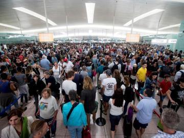 Colas en el aeropuerto de El Prat