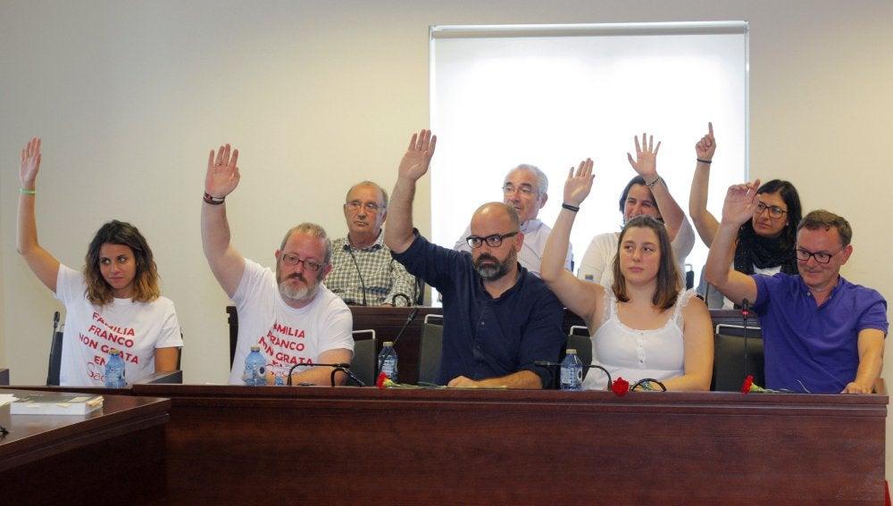El pleno de la Sada votando el nombramiento de los Franco persona non grata