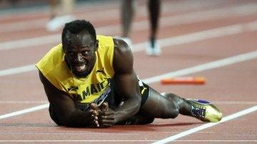 Usain Bolt cae lesionado en la final del 4x100