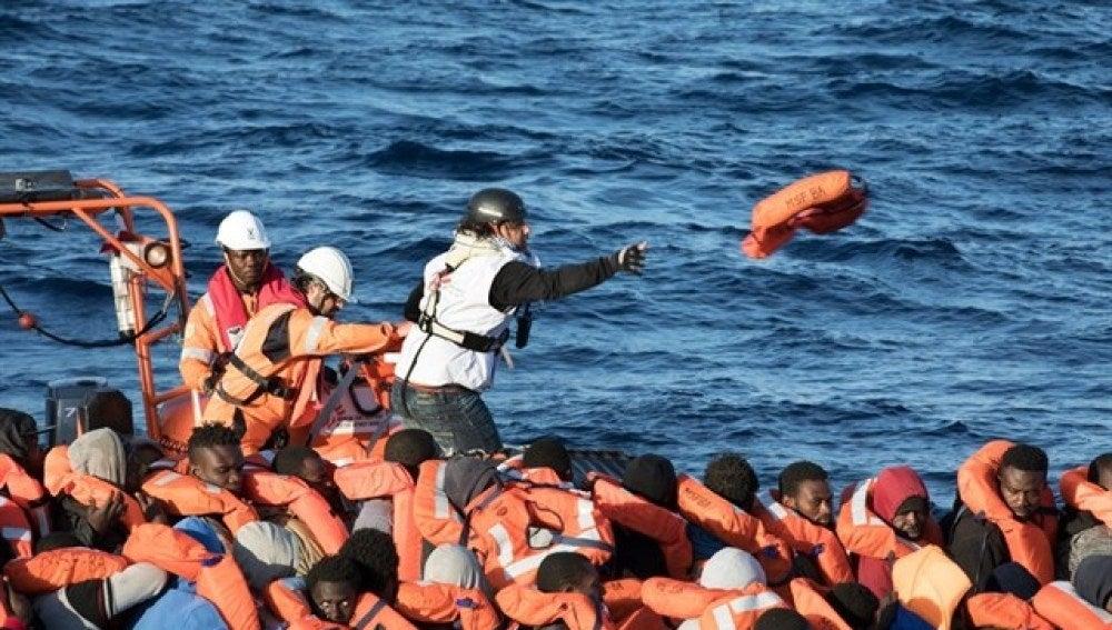 Imagen de un rescate en el Mediterráneo