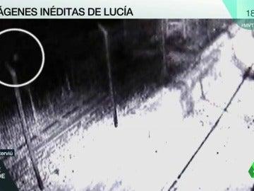 Las imágenes de los últimos momentos de Lucía Vivar la muestran andando sola por las vías del tren