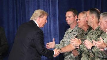 Trump incumple su promesa y anuncia más presencia militar en Afganistan