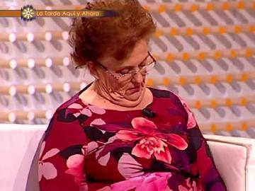 Una señora que se echa una siesta en el programa de Juan y Medio